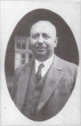 Hauptlehrer Dombré
